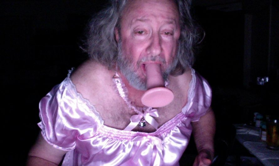 Shameless Sissy Billie is aching for exposure and internet fame