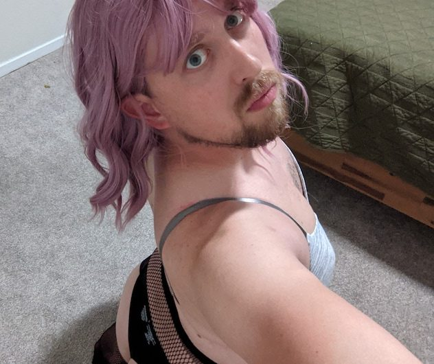 Apartment sissy is ready to suck on command